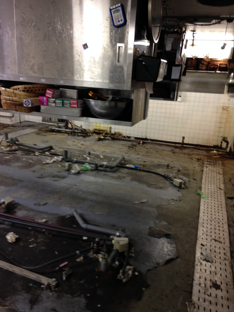 東京都新宿区焼肉店床塗装(塗床)改修工事|厨房床塗装(塗床)改修 低臭タイプ