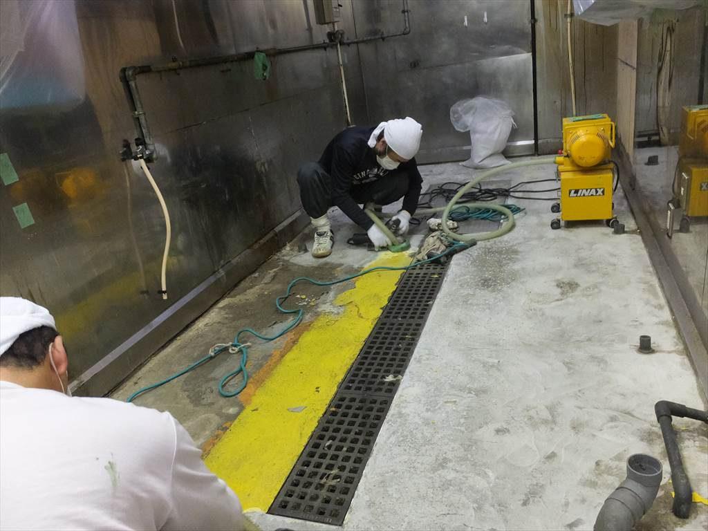 東京都中央区人形町のブラザーズ(ハンバーガーレストラン)|調理場塗り床改修工事(水溜まり解消):ケミクリートMSモルタル工法