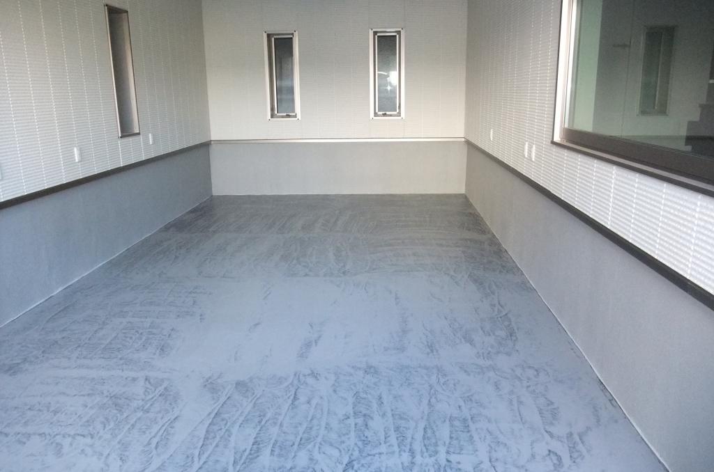 個人邸ガレージに床塗装