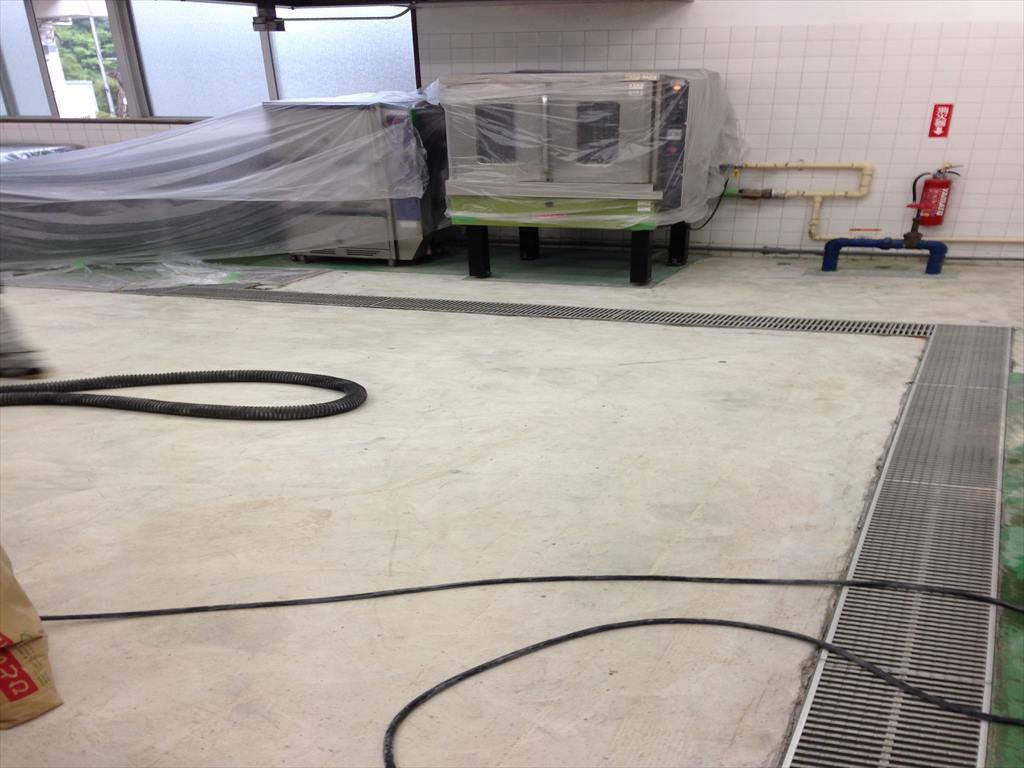 千葉県 某学校給食室床改修工事 給食室塗床改修工事:耐熱ピュールM7工法