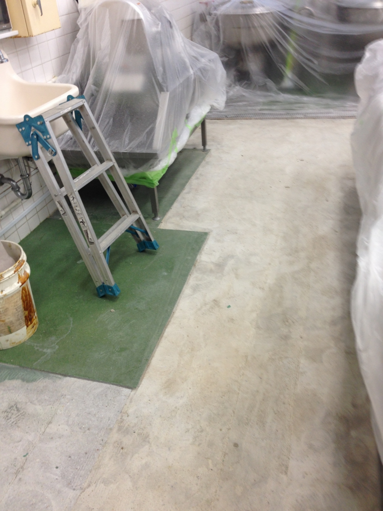 学校給食室の塗床