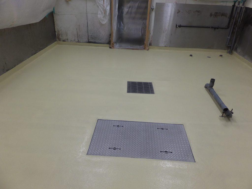 神奈川県横浜市の某スーパーマーケット厨房塗床改修工事|精肉厨房床改修(塗床)(夜間):ケミクリートMSモルタル防滑工法