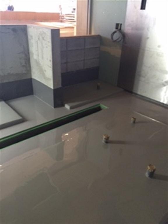 東京都立川市の某ショッピングモール|レストラン店舗の厨房塗り床(塗床)工事:タフクリートHF