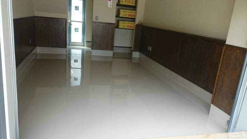 千葉県千葉市のガレージハウス|ガレージ(駐車場)の塗床(床塗装)工事:エポキシ樹脂2mm厚