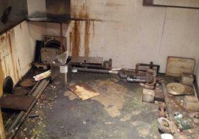 東京都大田区の飲食店(多国籍料理店)|厨房床塗装(塗り床)改修工事:ウレタン防水から塗り床へ