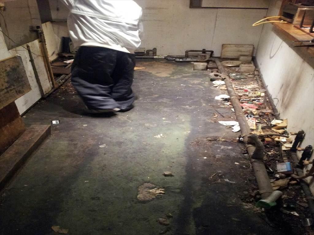 東京都品川区の飲食店 厨房床塗装(塗り床)改修工事:ケミクリートMSLペースト防滑工法