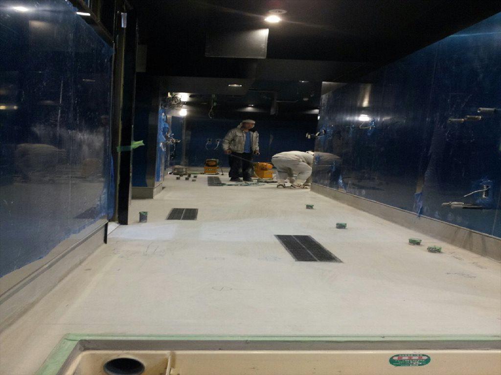 東京都大田区蒲田の海鮮居酒屋|厨房(キッチン)塗り床(塗床)床塗装工事:エポキシ樹脂系塗床防滑施工