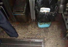 千葉県千葉市の焼き鳥屋|厨房床調査に行きました