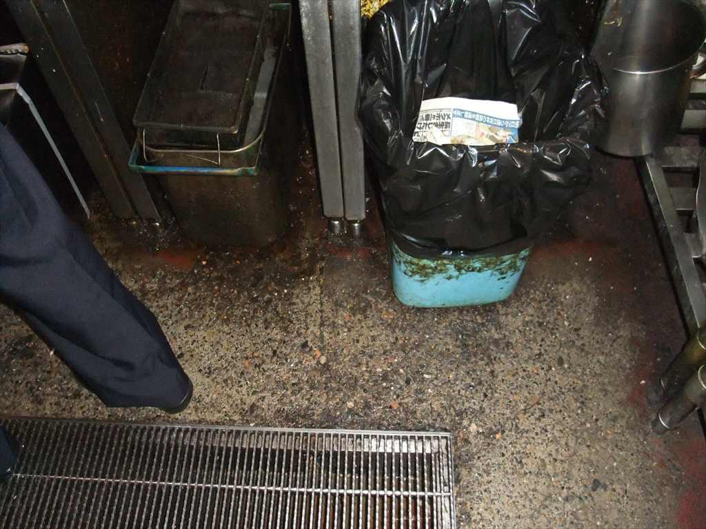千葉県千葉市の焼き鳥屋 厨房床調査に行きました
