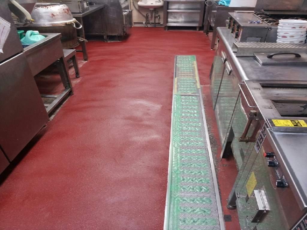飲食店厨房を塗床で補修