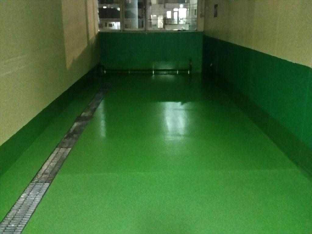 東京都江戸川区の自動車ディーラーの洗車場塗り床(床塗装)工事 ケミクリートEPカラークリートMSペースト工法:短工期工法