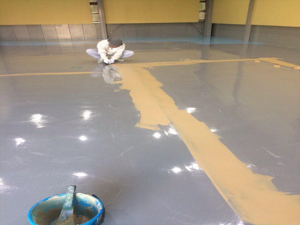 神奈川県横浜市都筑区のラジコンドリフトサーキット|床塗装(塗り床)工事:エポキシ樹脂ペースト工法