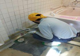 神奈川県横浜市神奈川区のデイサービスセンター|浴室床塗装(塗り床)塗り替え工事:ケミクリートEPカラークリートクイックE:速硬化型