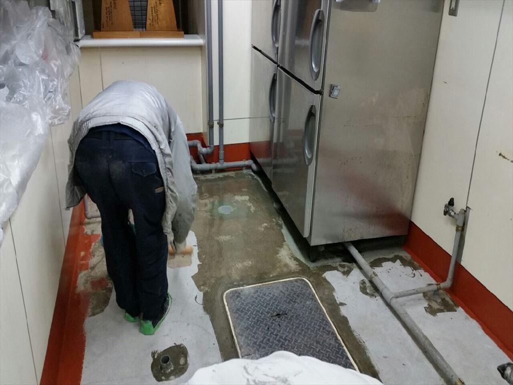 東京都千代田区神田の焼肉屋さん|厨房防水から塗り床(床塗装)へ改修工事:速硬化MMA塗床施工