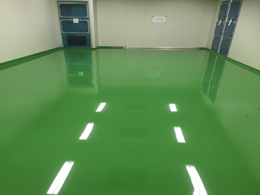 クリンルームに帯電防止塗床