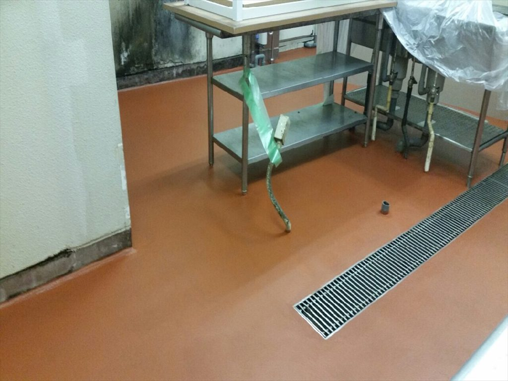 東京都豊島区池袋のビアホール|厨房床塗装(塗り床)改修:ケミクリートMSLモルタル防滑工法