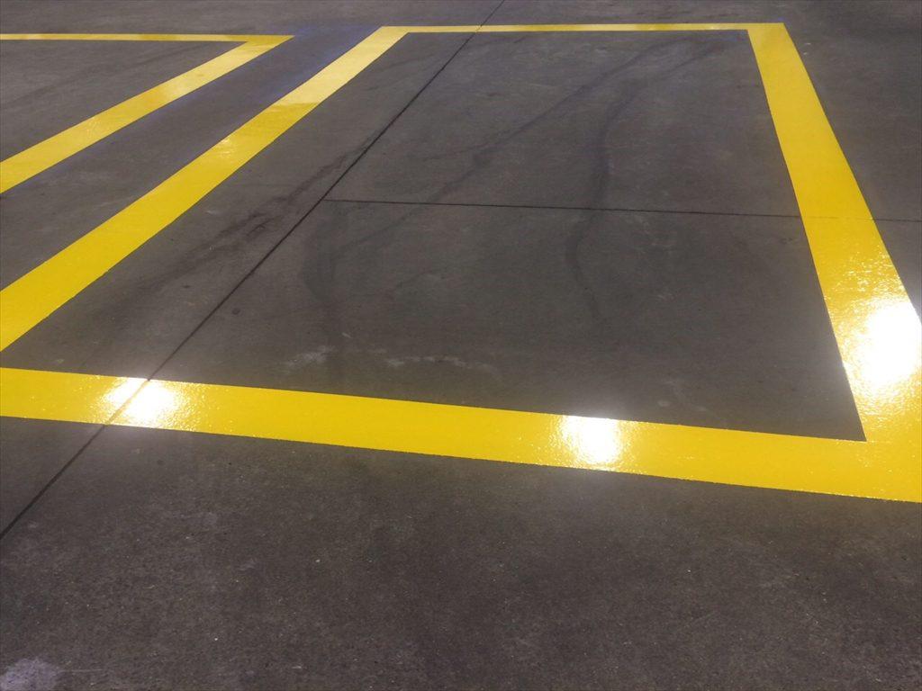 東京都目黒区ガソリンスタンド|ライン引き塗装(夜間工事):ユータックR(