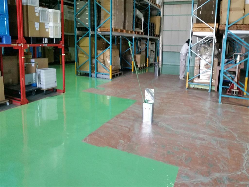 戸田市内、倉庫の塗床、光コーティング