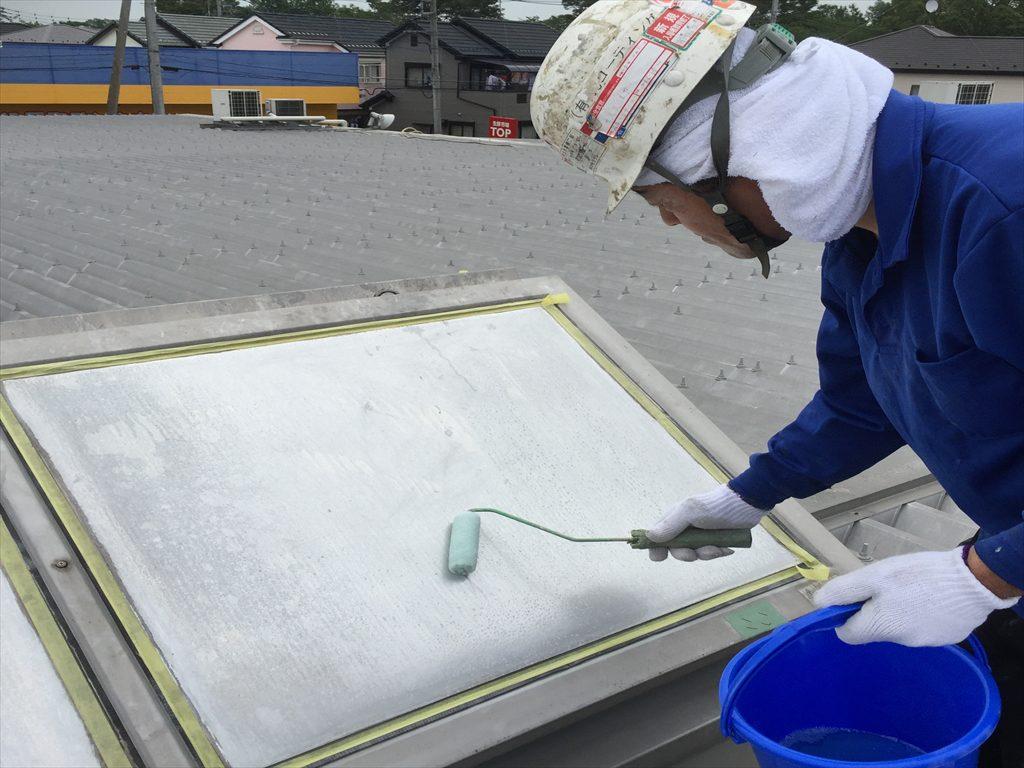 埼玉県春日部市のスーパー屋根トップライトに熱交換塗装