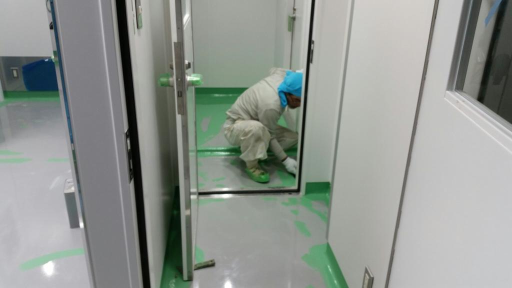 埼玉県所沢市内の製薬会社|クリンルーム床塗装工事:ケミクリートEペースト工法