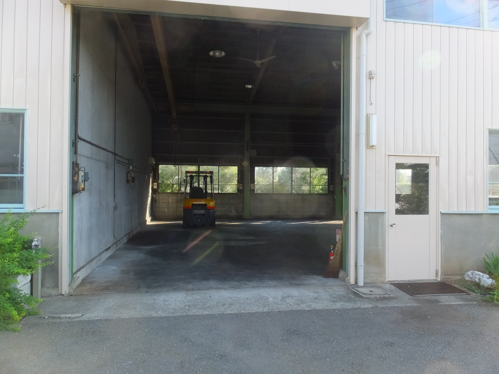 埼玉県比企郡川島町の金属加工工場の塗り床工事(床塗装工事) エポキシ樹脂塗り床