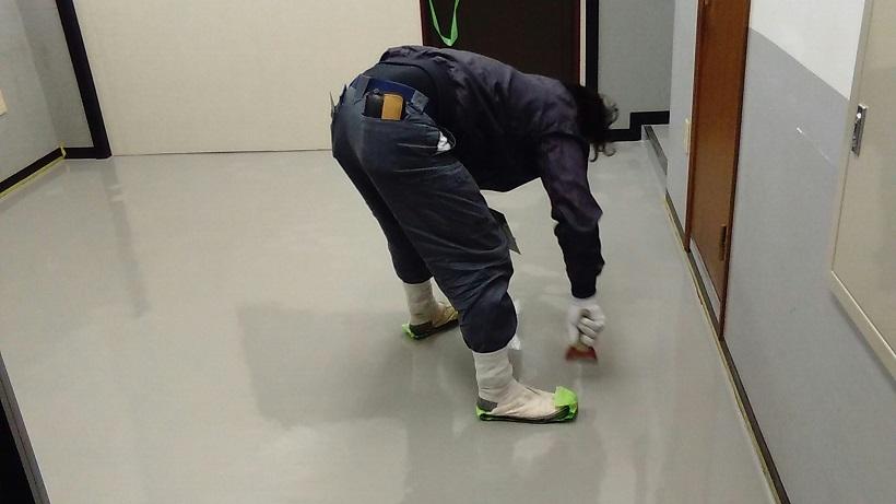 東京都文京区本郷の物流機器メーカー倉庫 床塗装工事:ケミクリートEペースト工法