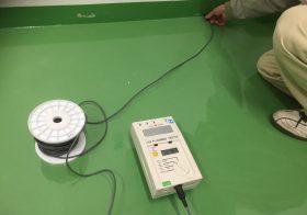 神奈川県川崎市の工場 帯電防止塗床:電導値の測定