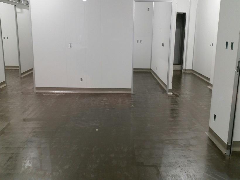東京都墨田区の工場|防滑床塗装(塗床)工事:ケミクリートEローラースチップル工法