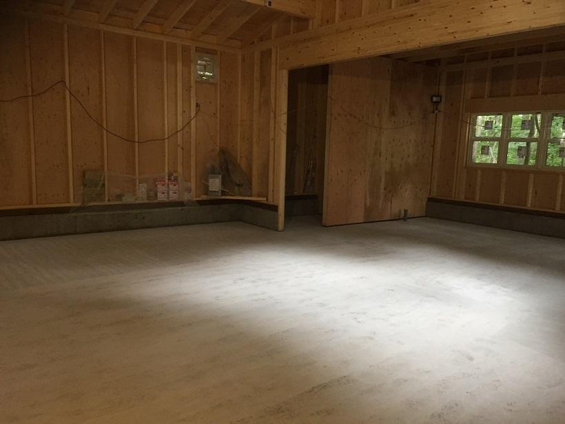 神奈川県箱根の個人邸ガレージ(駐車場) 床塗装(塗床)工事