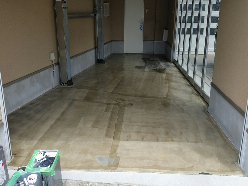 東京都江戸川区|バイクガレージ(駐車場)塗床(床塗装)改修工事:ケミクリートEペースト防滑工法