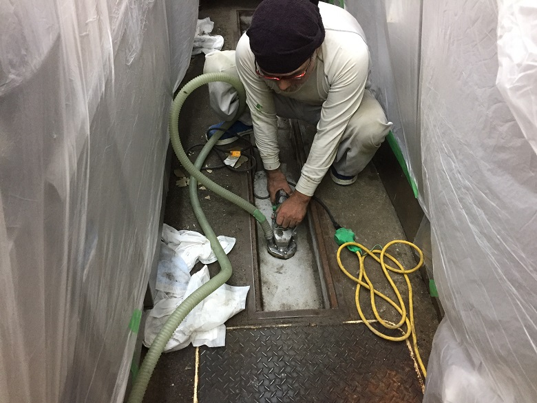 東京都板橋区のラーメン店|厨房の側溝を塗床で補修:タフクリートMH