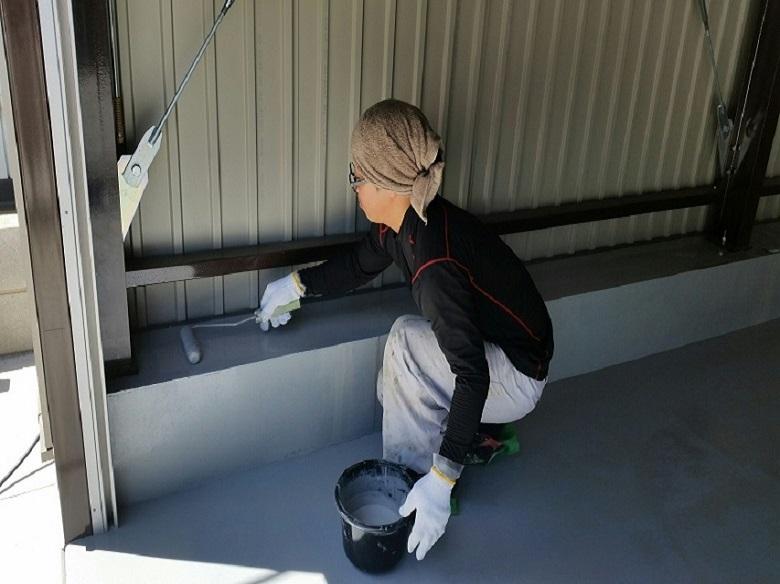 埼玉県越谷市の自動車整備工場|コンクリート床に塗床(床塗装)工事:ケミクリートEPカラー