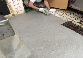 埼玉県狭山市の飲食店(そば屋)|厨房剥離タイル床を耐熱塗床に改修:タフクリートMH