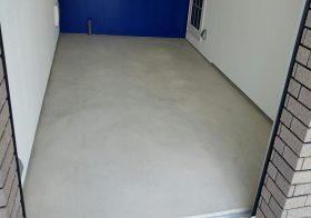 静岡県三島市の個人邸の駐車場(ガレージ)|コンクリート床塗装(塗床):ケミクリートEPカラー