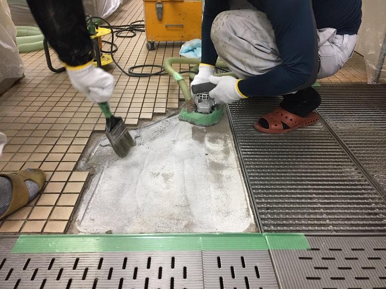 東京都港区の病院厨房|床タイルの剥離補修(塗床)夜間工事:タフクリートMH