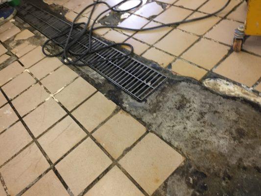 千葉県柏市の和菓子店「伊勢屋」様|工場床タイルの剥がれを塗床(床塗装)で改修:タフクリートMH