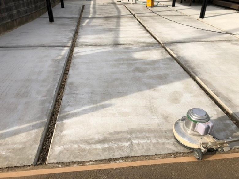 茨城県坂東市の個人邸ガレージ(駐車場)|コンクリート色ムラに床塗装(塗床)