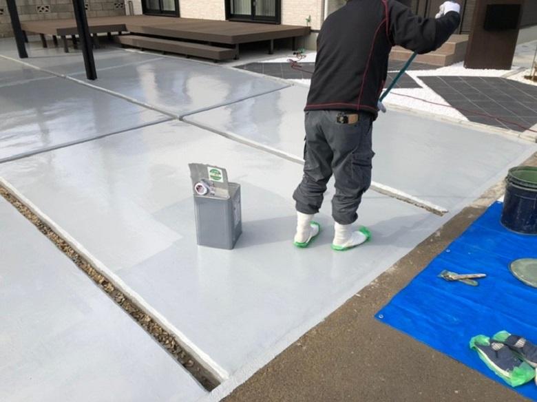 茨城県坂東市の個人邸ガレージクレーム解決事例(駐車場)|コンクリート色ムラに床塗装(塗床)
