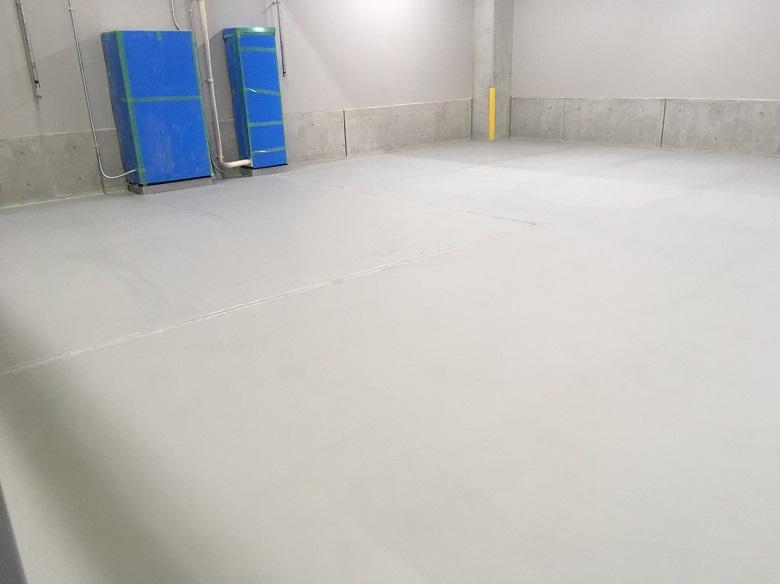 神奈川県横浜市の配送センター床塗装(塗床)工事:ユータックコンプリートCPS