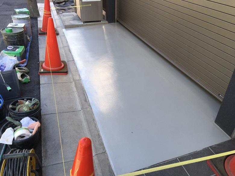 東京都墨田区の吉兼様マンション|ガレージ床塗装(塗床):ケミクリートEローラースチップル工法