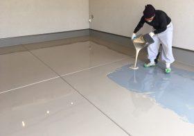 埼玉県越谷市の個人邸ガレージ(駐車場)(カーポート)|床塗装(塗床)工事:ケミクリートE