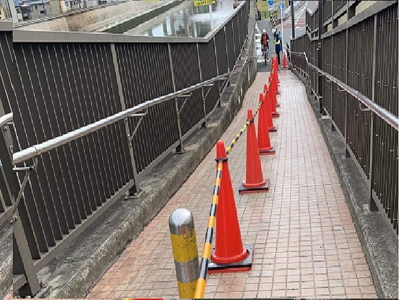 東京都内外部通路|タイル床滑り止め塗装:セーフティコートタイル