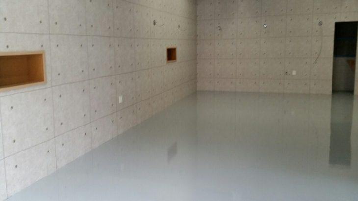 工務店・ハウスメーカー向け|コンクリートの色むらクレームを床塗装で解決する。