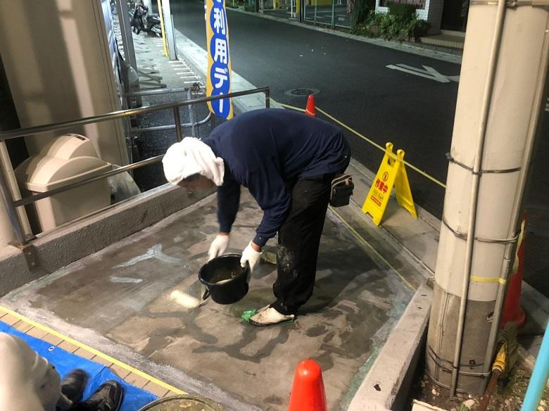さいたま市大宮区のスーパーマーケット外部通路|転倒防止目的の防滑塗床工事:カラートップP