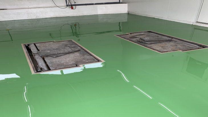 個人邸ガレージ(駐車場)の床塗装仕様の選び方:厚膜と薄膜の違いがわかる