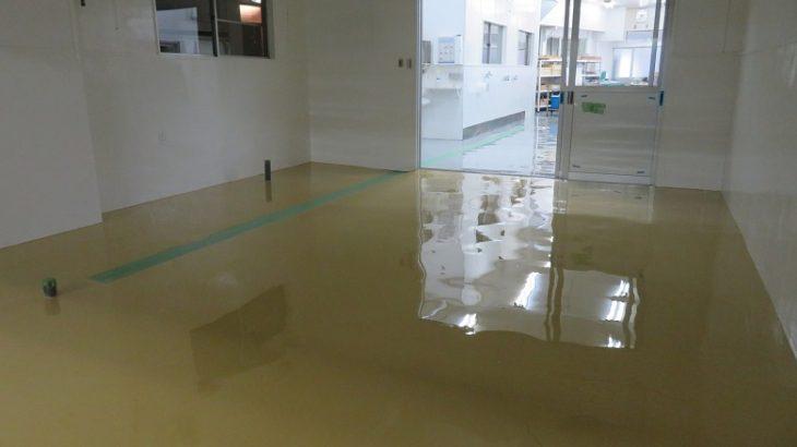 栃木県日光市の大沢屋製菓様パン工場|古いコンクリート床を床塗装でフラット化:ケミクリートE