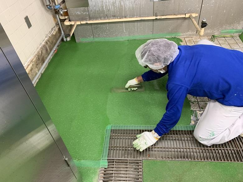 埼玉県所沢市病院厨房|床タイル剥がれを塗床でなおす:タフクリートMH