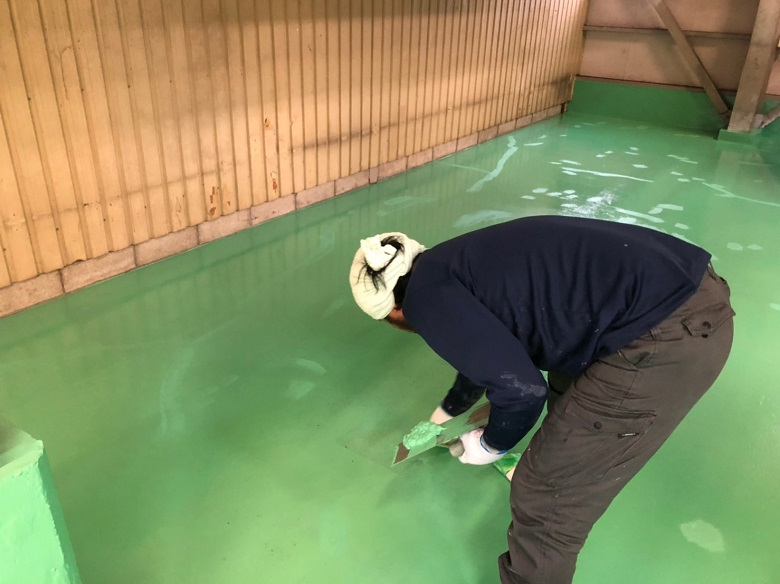 賃貸倉庫のコンクリート床塗装