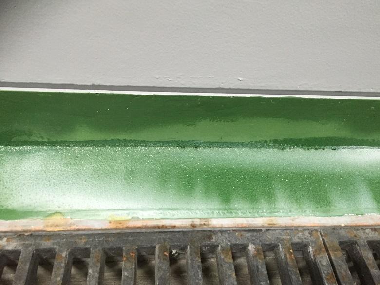 東京都内研究施設|塗床の不具合:白化現象