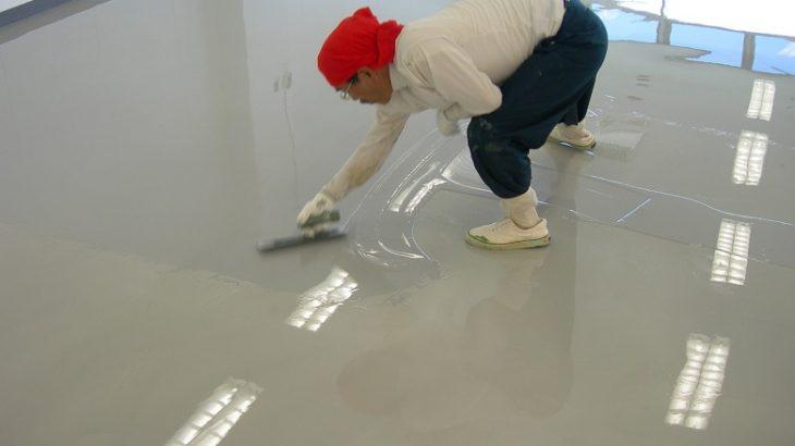 工場・倉庫の塗床が滑る場合の防滑塗床の施工